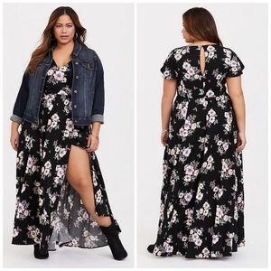 NWOT Torrid Floral Challis Maxi Dress